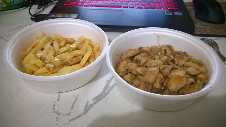 For dinner: Quite ordinary chicken with French fries. With some nice herbs or so though.