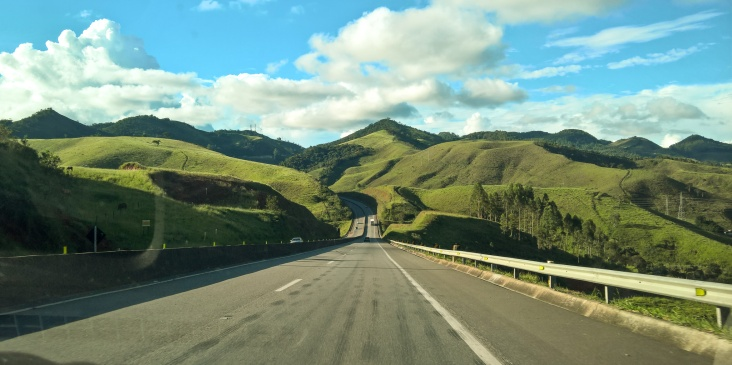 Simply stunning roads in the state of Minas Gerais!
